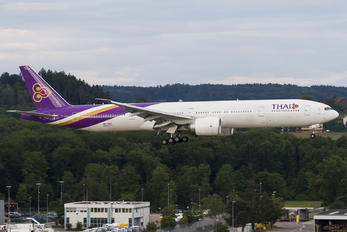 HS-TKV - Thai Airways Boeing 777-300ER