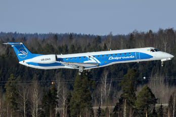 UR-DNG - Dniproavia Embraer ERJ-145