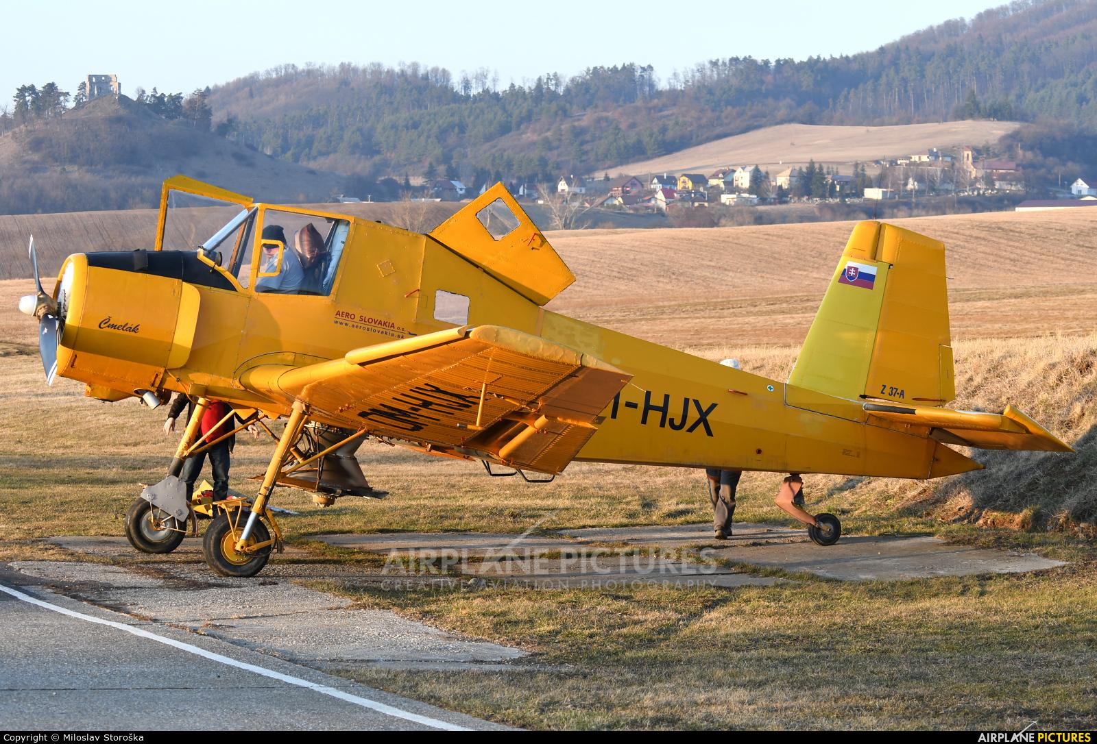 Aero Slovakia OM-HJX aircraft at Dobra Niva