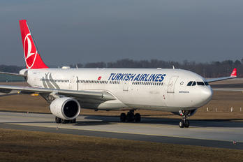 TC-JNZ - Turkish Airlines Airbus A330-300
