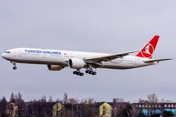 TC-JJT - Turkish Airlines Boeing 777-300ER