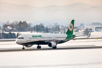 B-16225 - Eva Air Airbus A321
