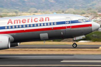 N952AA - American Airlines Boeing 737-800