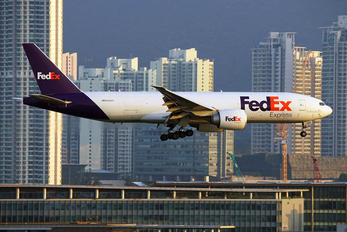 N862FD - FedEx Federal Express Boeing 777F