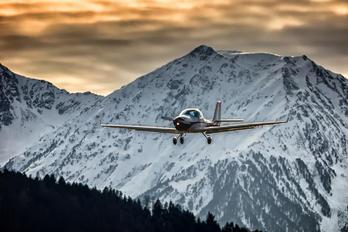 OE-AEB - Private Aquila 211