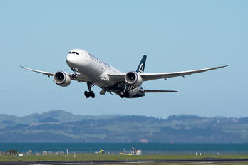ZK-NZC - Air New Zealand Boeing 787-9 Dreamliner