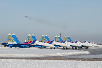 "32 - Russia - Air Force ""Russian Knights"" Sukhoi Su-30SM"
