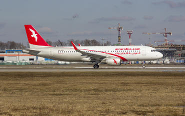 A6-AOD - Air Arabia Airbus A320