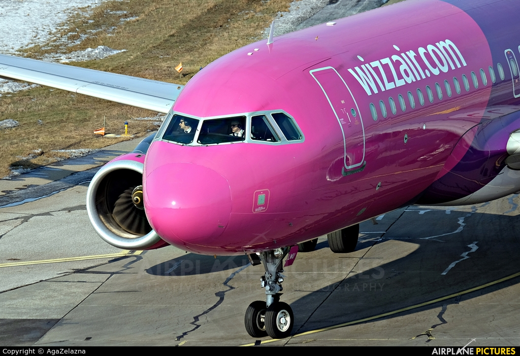 Wizz Air HA-LWU aircraft at Katowice - Pyrzowice