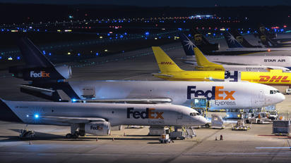 N623FE - - Airport Overview - Airport Overview - Apron