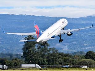 N649DL - Delta Air Lines Boeing 757-200