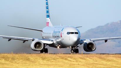 N916AN - American Airlines Boeing 737-800