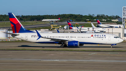 N850DN - Delta Air Lines Boeing 737-900