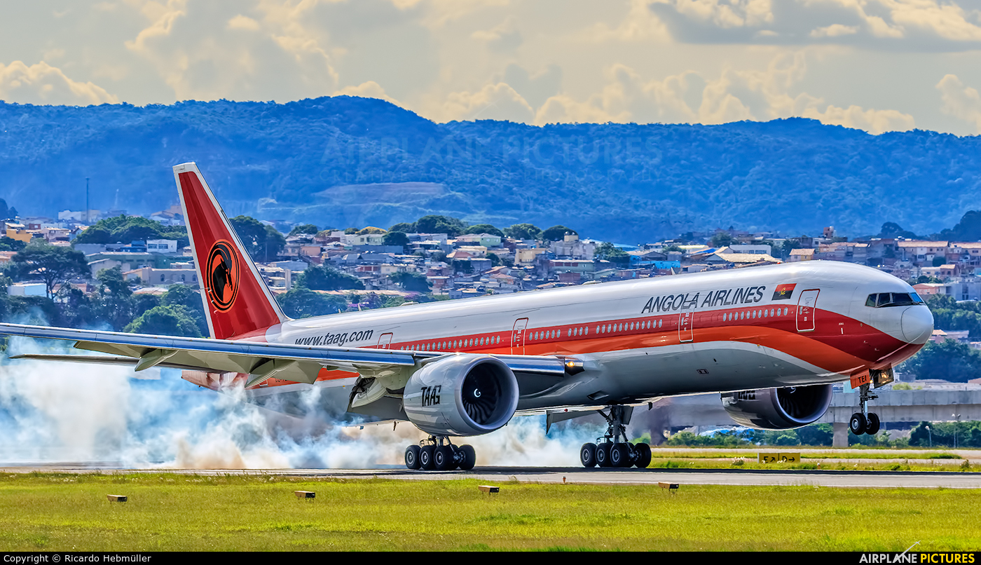 TAAG - Angola Airlines D2-TEI aircraft at São Paulo - Guarulhos