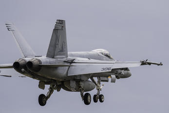 166865 - USA - Navy McDonnell Douglas F/A-18E Super Hornet