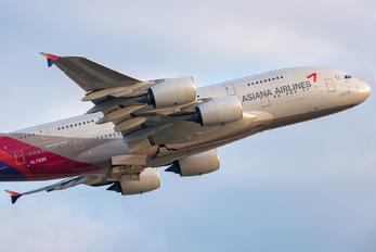 HL7635 - Asiana Airlines Airbus A380