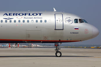 VQ-BED - Aeroflot Airbus A321