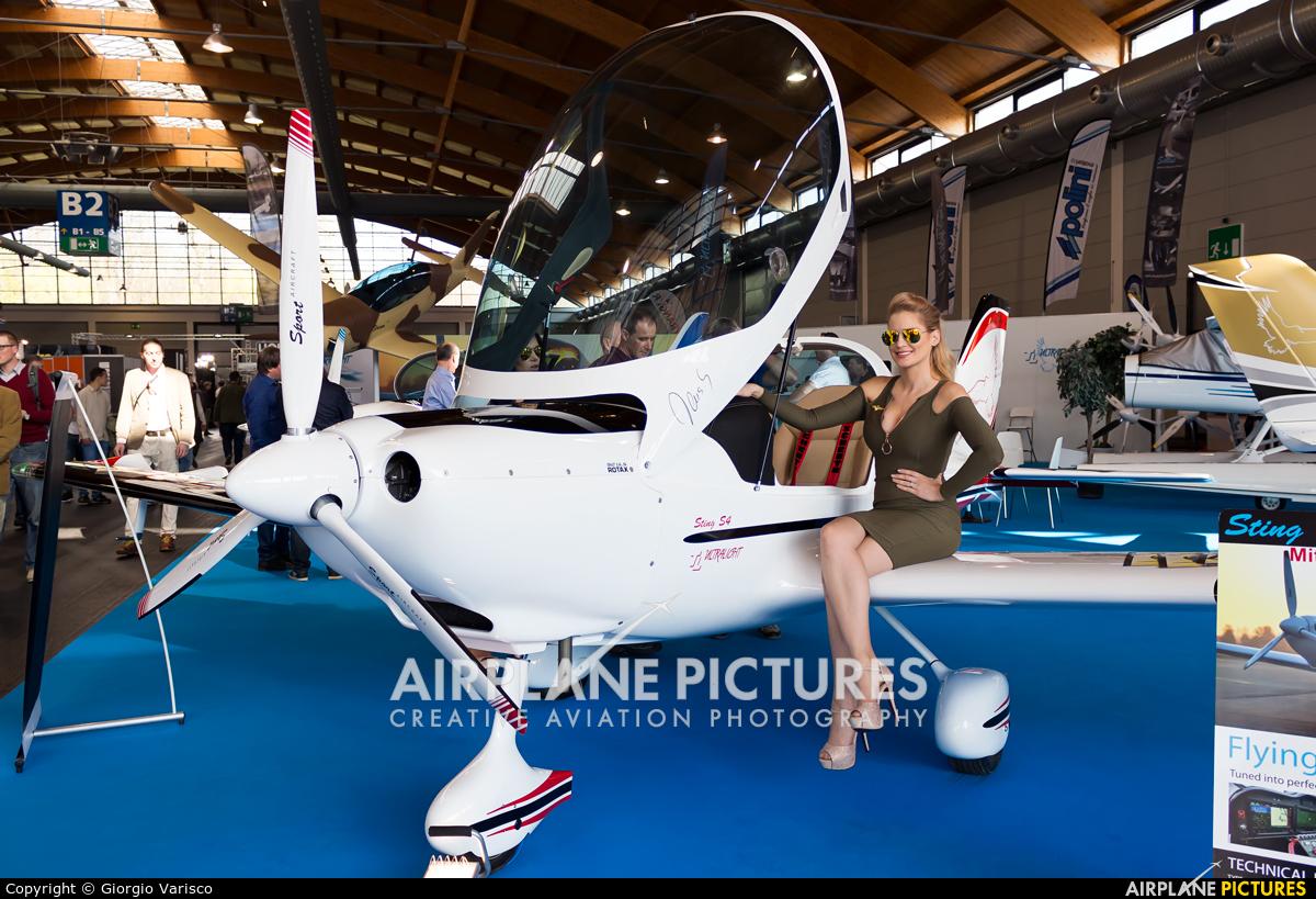 - Aviation Glamour - aircraft at Friedrichshafen