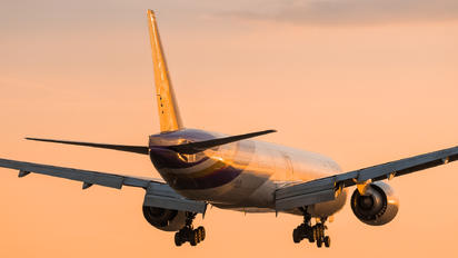 HS-TKN - Thai Airways Boeing 777-300ER