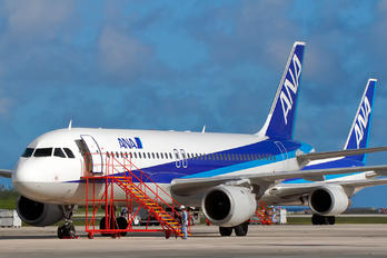 JA8946 - ANA - All Nippon Airways Airbus A320
