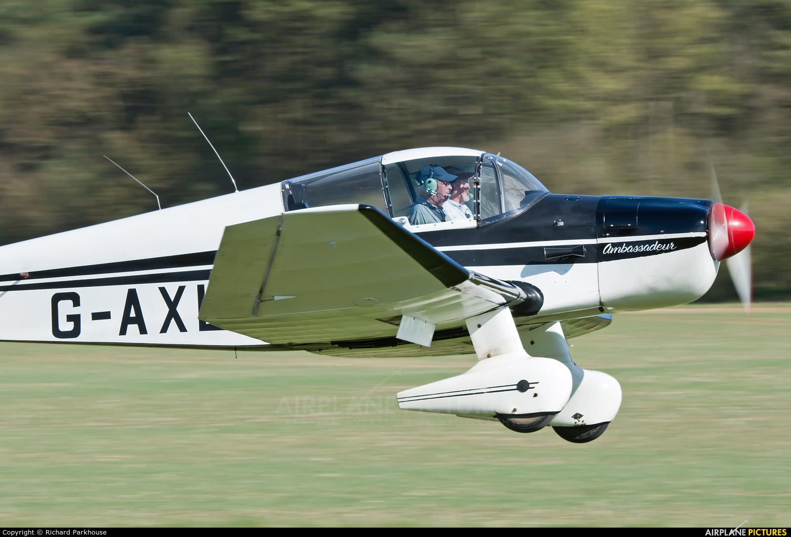 Private G-AXLS aircraft at Popham