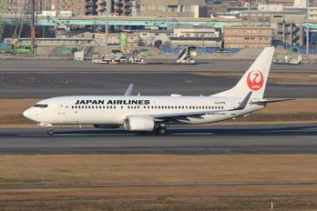 JA346J - JAL - Japan Airlines Boeing 737-800