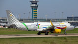 Vueling Airlines Airbus A320 EC-MOG at Paris - Orly airport