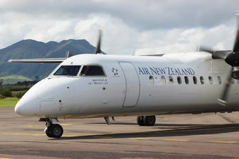 ZK-NEC - Air New Zealand Link - Air Nelson de Havilland Canada DHC-8-300Q Dash 8