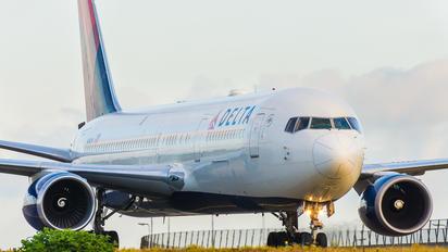 N1501P - Delta Air Lines Boeing 767-300