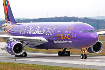 A6-AFA - Etihad Airways Airbus A330-300