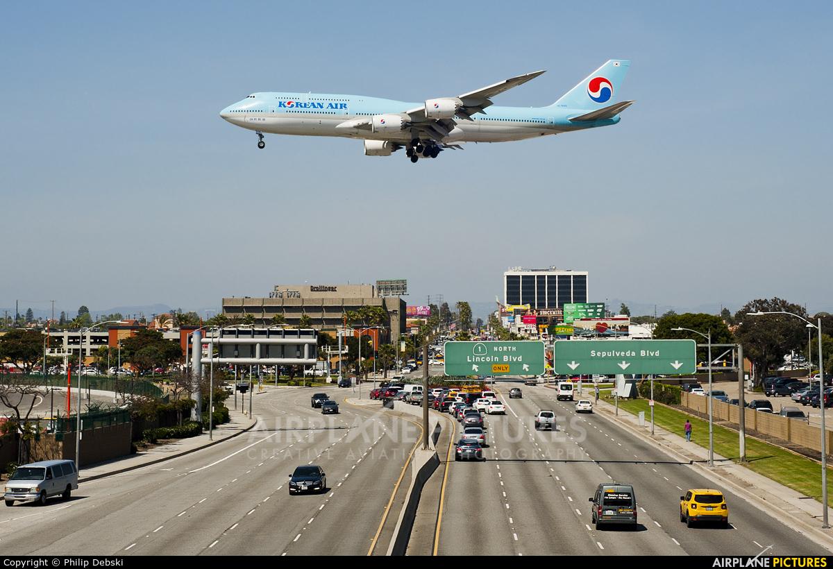 Korean Air HL7630 aircraft at Los Angeles Intl