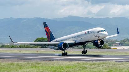 N694DL - Delta Air Lines Boeing 757-200