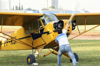 PP-RSI - Private Piper J3 Cub