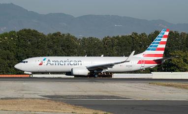 N935NN - American Airlines Boeing 737-800