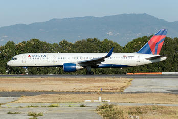 N550NW - Delta Air Lines Boeing 757-200WL