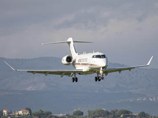 CS-CHA - NetJets Europe (Portugal) Bombardier BD-100 Challenger 350 series