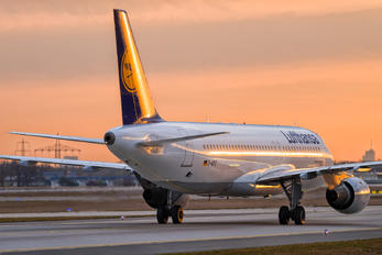 D-AIPZ - Lufthansa Airbus A320