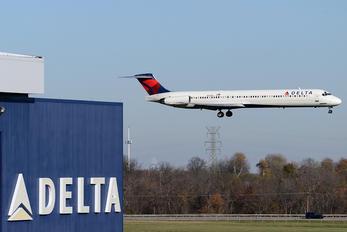 N912DL - Delta Air Lines McDonnell Douglas MD-88