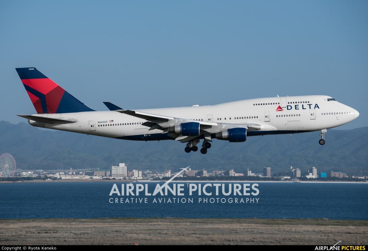 Delta Air Lines N666US aircraft at Kansai Intl