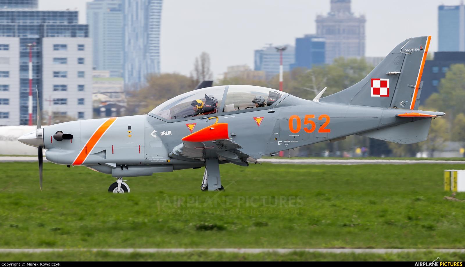 Poland - Air Force 052 aircraft at Warsaw - Frederic Chopin