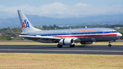 N855NN - American Airlines Boeing 737-800