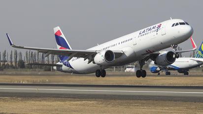 CC-BEL - LATAM Airbus A321