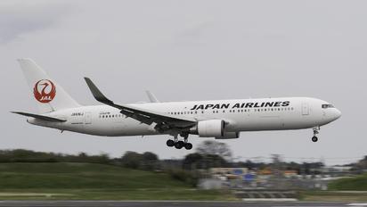 JA616J - JAL - Japan Airlines Boeing 767-300
