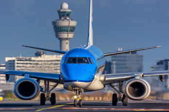 PH-EZI - KLM - Airport Overview - Photography Location