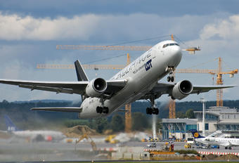 SP-LPE - LOT - Polish Airlines Boeing 767-300ER