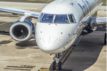 PR-AYA - Azul Linhas Aéreas Embraer ERJ-195 (190-200)