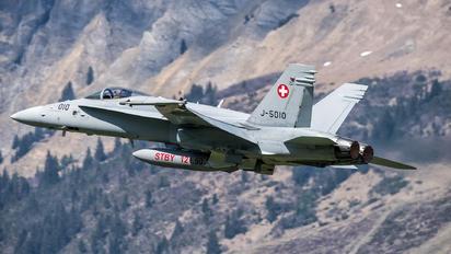 J-5010 - Switzerland - Air Force McDonnell Douglas F-18C Hornet