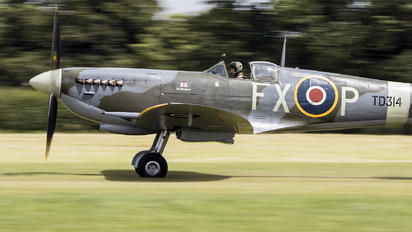 G-CGYJ - Private Supermarine Spitfire IX