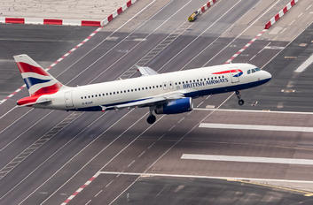 G-EUUH - British Airways Airbus A320