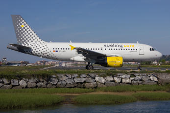 EC-MIR - Vueling Airlines Airbus A319